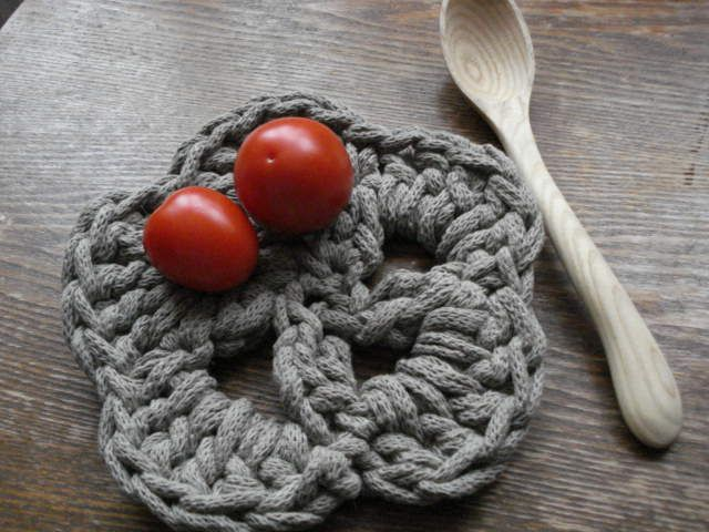 Crochet rope trivet by KnitJoys