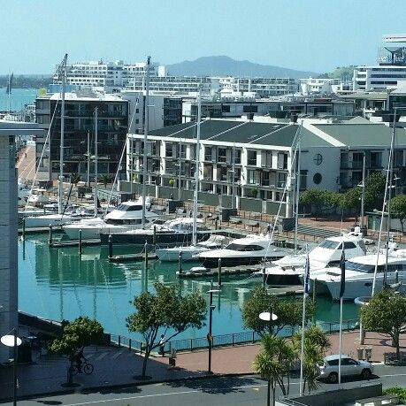 Fantastic day outside - Vodafone V.nue in Auckland, Auckland