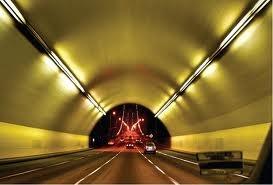Good view through to exit of tunnelKonsep Deep Tunnel atau Smart Tunnel Jakarta Usulan Jokowi