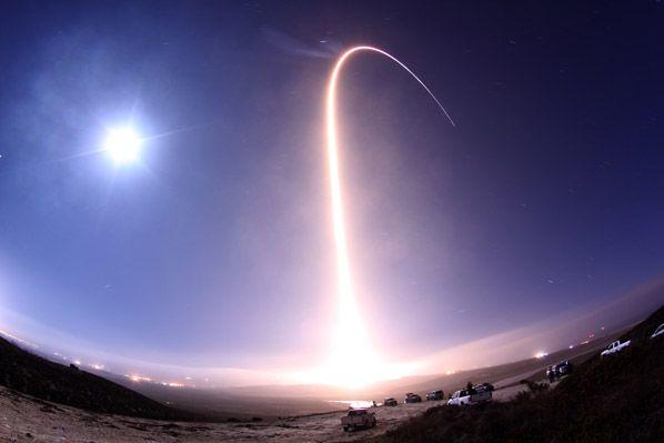 Atlas V long exposure streak