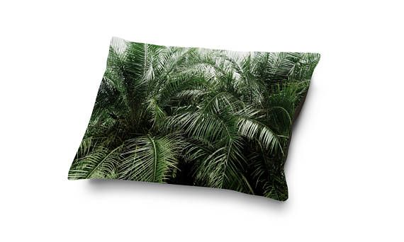 A beach tropical chic bedding accent for your furry home companion, this pillow style pet bed features a vibrant top side design of green botanical palms throughout! Available in Small, Medium and Large, this dog and cat friendly pet bed features a soft and plush top side of coral fleece for comfy naps and dreams!  Make a great bedside pairing for your pet companion with a matching Duvet Cover here: http://etsy.me/2oOf4W3  ~ ~  Perfect for your four-legged family members, these...