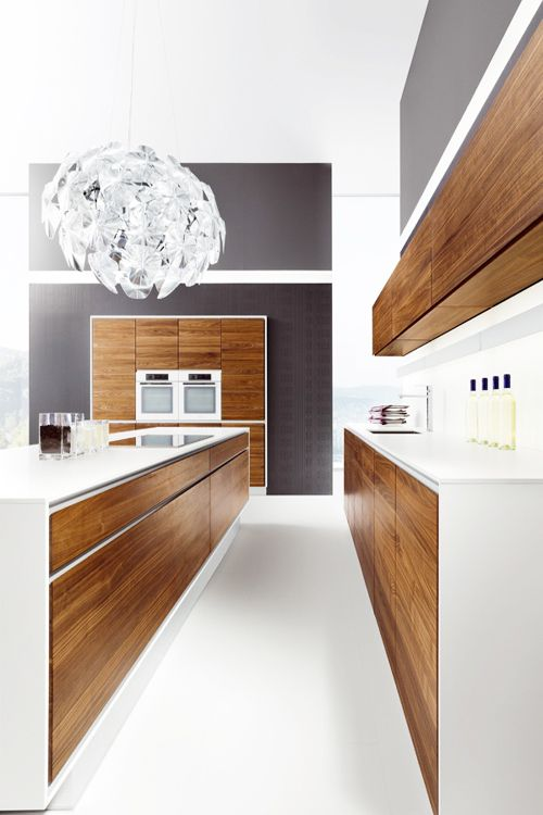 Wooden kitchen with island VAO by TEAM