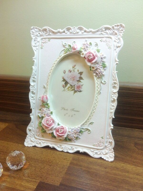 White Flowery Square Oval Frame