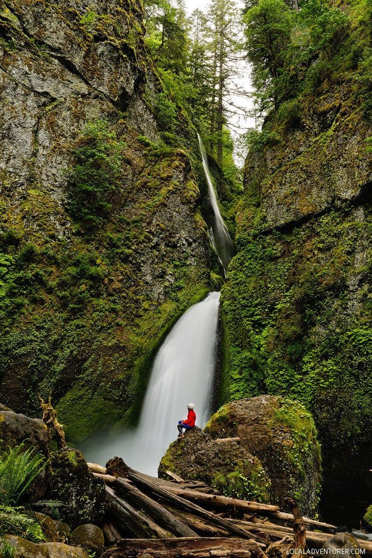 The Wahclella Falls Hike, Columbia River Gorge Waterfalls - Easy Hike Near Portland Oregon // localadventurer.com