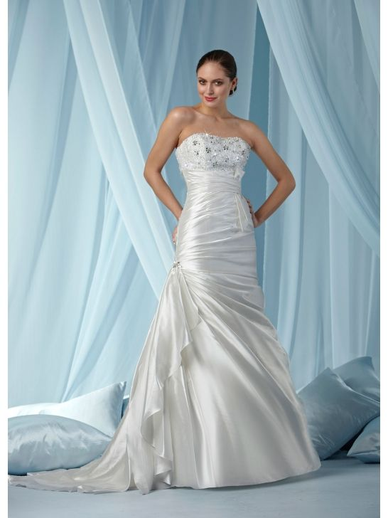 118 best Charming wedding dresses images on Pinterest | Bridal gowns ...
