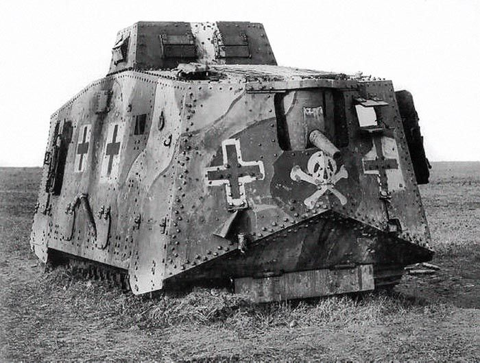 Ww1 tanks on Pinterest   Ww1 photos, British tanks and ...