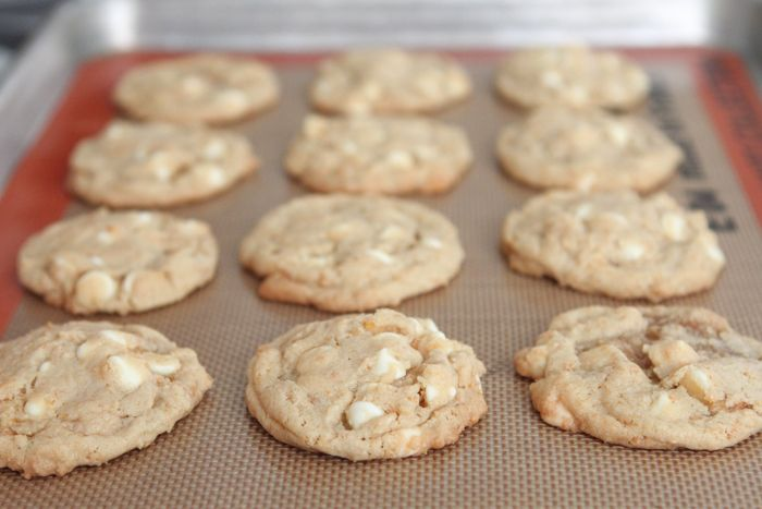 Frosted Flakes White Chip Cookies