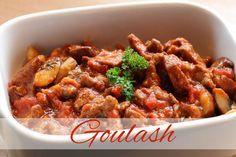 Goulash is een lekkere Hongaarse stoofschotel. Dit goulash recept is om zelf deze lekkere stoofschotel te maken, eet met rijst, aardappelpuree of gekookte