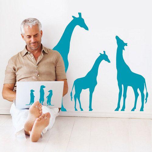 Žirafy a tlupa zvědavých surikat -samolepky na zeď