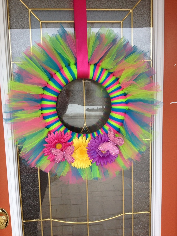 Tulle spring wreath.