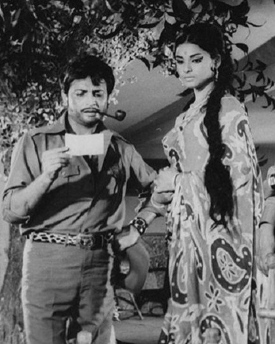 """189 Likes, 4 Comments - muvyz.com (@muvyz) on Instagram: """"#muvyz061817 #BollywoodFlashback #whichmuvyz #guessthemovie #couplegoals #Biswajit #Rekha #muvyz…"""""""