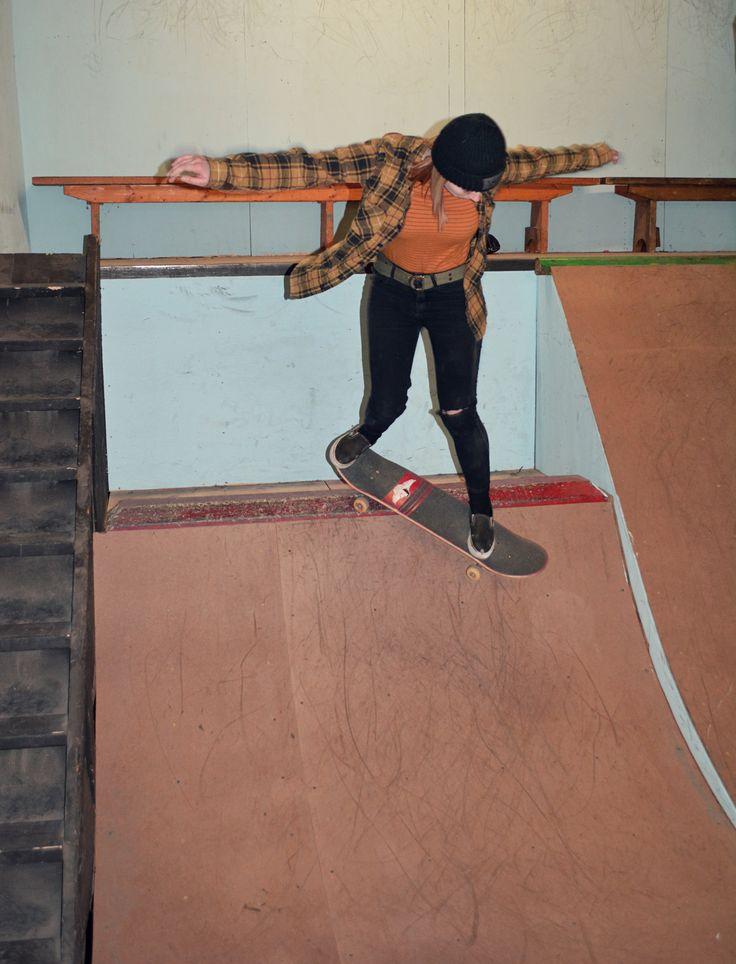 Girl Skate Style    #skateboarding #skatergirl #girlskaters #skateboard #rockandroll #skate