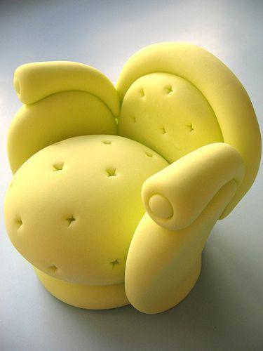 Poltrona em açúcar... by Djalmma Reinalldo (Cake Designer), via Flickr