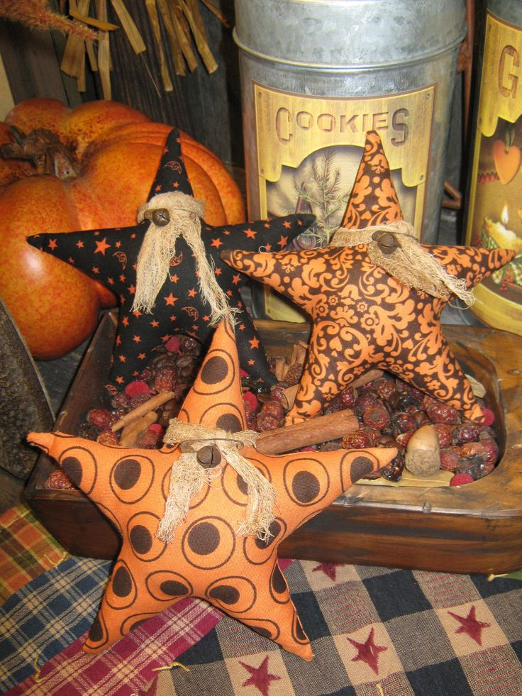 Primitive Halloween Ornies Set of 3 Stars / Spooky / Primitive Fall Tucks / Bowl fillers / ornament. $9.95, via Etsy.