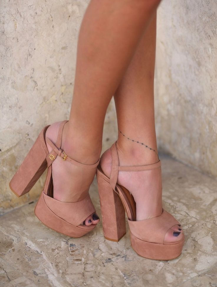 Shoes of the day!  @annarfasano #summer2015