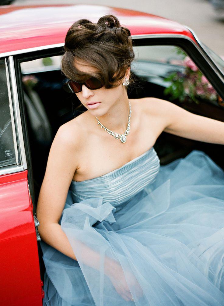 17 blå brudklänning
