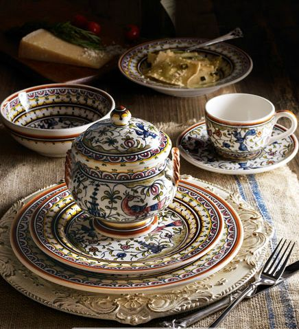 \ Pavoes\  Dinnerware Service this hand-painted pattern is based on a typical Portuguese design from the century. & 48 best Portuguese Pottery : Coimbra images on Pinterest | Ceramic ...
