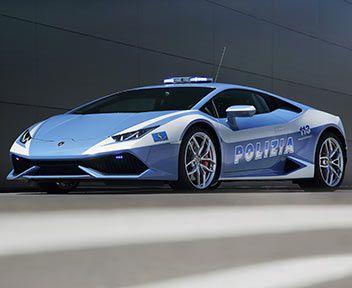 FOTO: La Polizia italiana ha una nuova Lamborghini: la Huracán indossa la divisa
