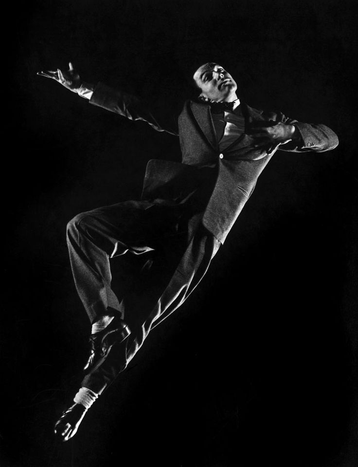 Gene Kelly dancing / 1944 / photo by Gjon Mili—Time & Life Pictures/Getty Images