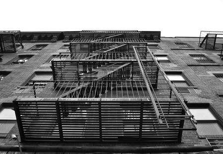 escalier de secours: Un escalier de secours extérieur d'un bâtiment à…