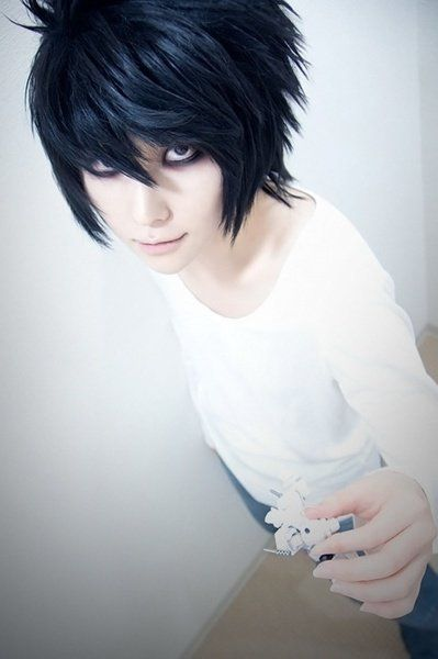 Death Note - L cosplay! That's actually really good! But he's easy :)