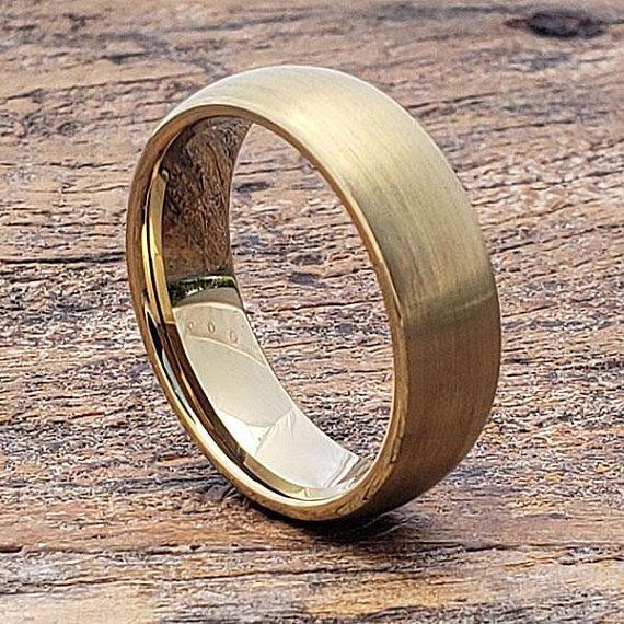 Men/'s Tungsten Carbide wedding Band 6mm  8mm Rustic Comfort Fit Ring 18k Gold Anniversary Engagement Matte Center