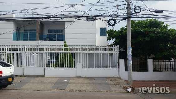 ARRIENDO CASA 2 PISOS 3 ALCOBAS 134m2 Descripción: La casa posee 3 Alcobas con sus respectivos  .. http://barranquilla.evisos.com.co/arriendo-casa-de-dos-pisos-3-alcobas-134m2-id-434757