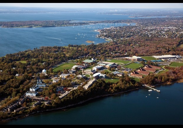 Roger Williams University, Bristol RI Hillary's Alma Mater. My dream school!!!