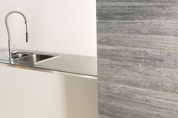 silver verso - kitchen #caesar #gresporcellanato #effettoTravertino #TALE #silver #madeinitaly