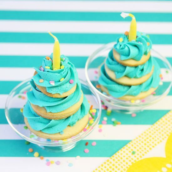 Mini cookie cakes are the perfect individual desserts for birthday parties. Let each party guest have their own mini birthday party cookie cake or set up a DIY