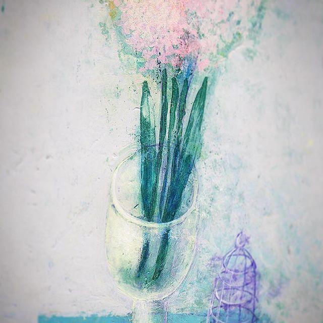 с весной вас, мои дорогие! наша терпеливая мама-природа снова учит нас тому, сколько мужества в хрупкости - самые первые цветы самые нежные... быть нежным в нашем мире - это ли не мужество?))) быть первым - разве это не храбрость? ... быть простым - правда, это настоящая красота?... #art #art🎨 #artist #artwork #artlife #artstagram #instaart #instaartist #figurativeart #figurative #spring #springday #flowers #love #creativelife #painting #artofvisual #artoftheday #stilllife…