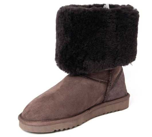 Chocolate Classic Tall UGG Boots.The Christmas promotion! Our Price : $180.00 Sale Price :$92.00 Save: 49% off!!
