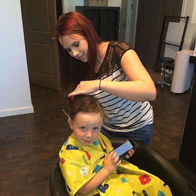 Sara is getting the kids ready for back to school! #backtoschool #preschool #haircut #kidscut #kelownanow #kelowna #littlecutie #bigboy #allgrownup  Hair @sjacobi
