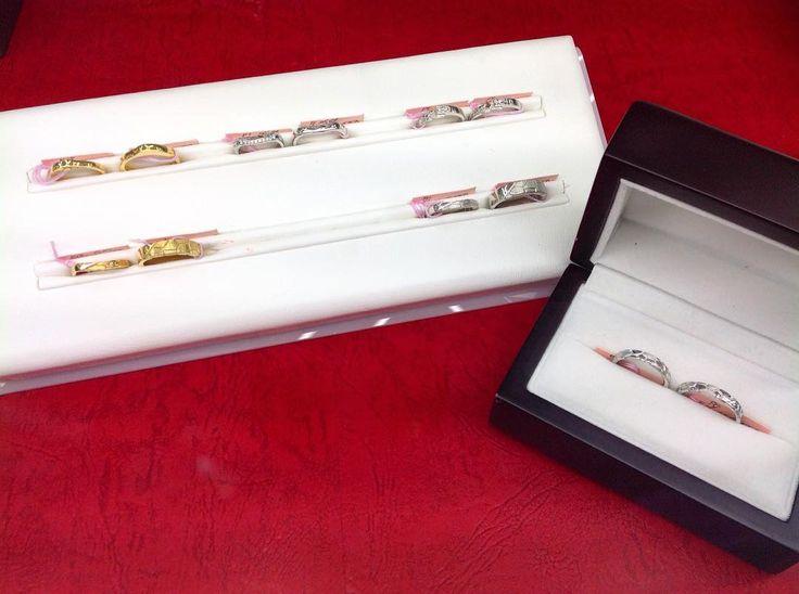 天久加工所オリジナル城壁リングがお客様のご要望により再び店頭に並びました  その他結婚指輪婚約指輪ネックレスブレスレット指輪数多く取り揃えていますので気軽にお越し下さい  #天久加工所 #amekukakosyo #沖縄 #那覇市 #城壁 #ミンサー #結婚指輪 #ジュエリー