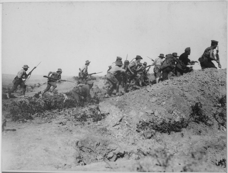 Australian troops storm an Ottoman trench during the bloody battle of Anzac, Gallipoli. 1915 New Dramatic Photos Thread (READ 1st POST) - Page 8