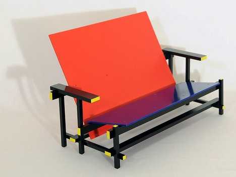 Rietveld's Red/Blue Chair only wider