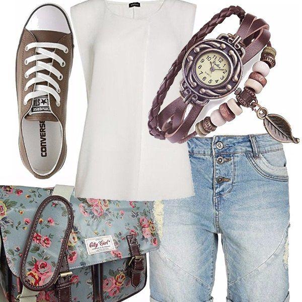 """Anche se non siamo più ragazzine e ci piace vestire sportive direi che questo look è adatto a tutte. Top di Motivi bianco, jeans boyfriend ripped (non shorts!) borsa a tracolla fiorata, se piace), Converse marroni ed orologio bracciale (io lo avevo poi un amica me lo ha """"prelevato"""" ;) davvero carino!"""