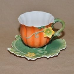 pumpkin tea cup and saucer...so sweet