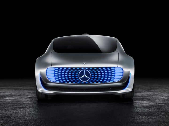 Mercedes-Benz F015 Luxury in Motion Studio Render