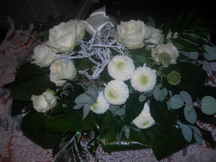 Mooi rouw stuk met wit lint