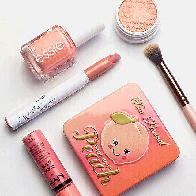 Get the app mercari for high end makeup for a discount/free! Just use the code GWEUBP when you sign up to get $2 in credit!