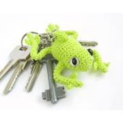 Tree Frog crocheted keychain- that looks very cool!