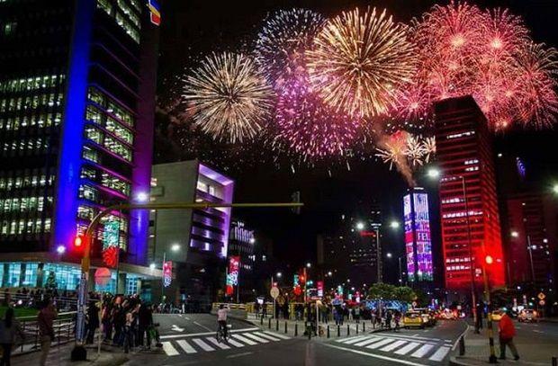 Nye Fireworks In Bogota Bogota New Year S Eve 2020 City
