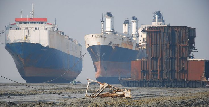 Adventure Travel - The Sojourner: Abandon Ship - Chittagong Ship Breaking Yards (Bangladesh)