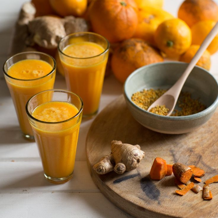 At The Unbakery, whenever any of us feels a cold coming on we immediately run to the fridge to grab ginger, turmeric, lemon and honey to make a flu tonic. It's