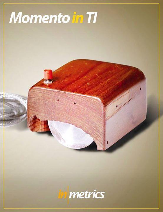 O mouse foi apresentado pela primeira vez em 1968 pelo pesquisador Douglas Engelbart que o fez todo de madeira. #inmetrics #TI #momentoinTI