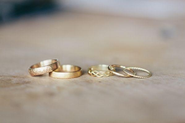 Hochzeit Ringe Trauringe Verlobung Ansteckring Goldschmiedin Michaela Roemer Fotografie Julia Hofmann Fotografie