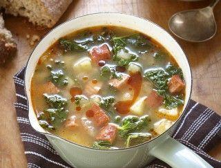 Soupe au chorizo et au chou frisé à la portugaise (Caldo Verde)