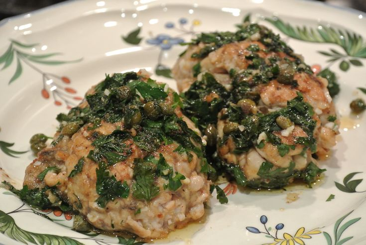Veal brains fried with parsley, garlic and capers