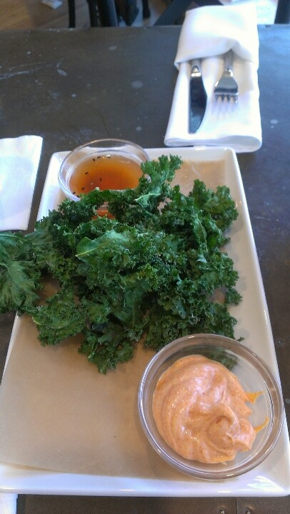 Kale chips, smoked paprika dip and chili ailoi